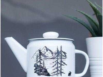 Эмалированный чайник Лес и горы 1 л