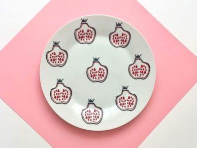 Фарфоровая тарелка Гранаты