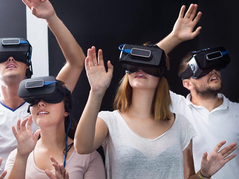 Арена виртуальной реальности для двоих