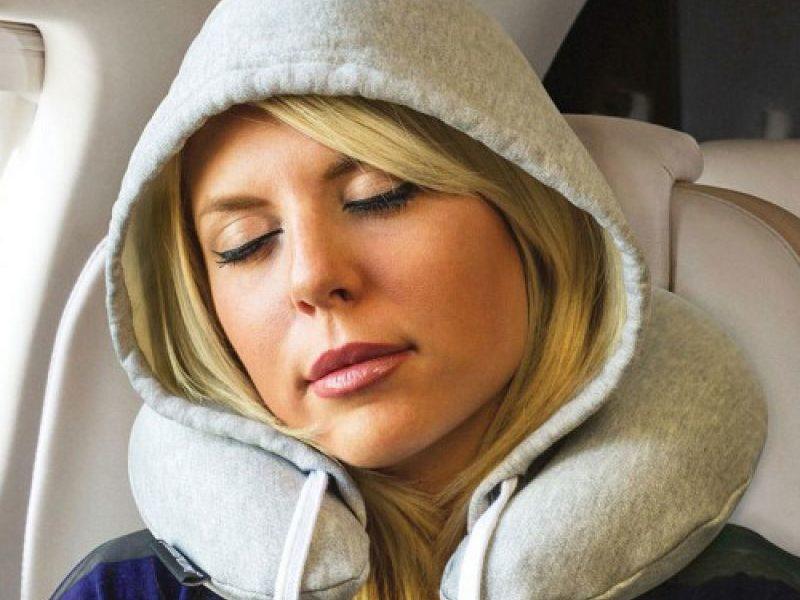 Туристическая подушка с флисовым капюшоном