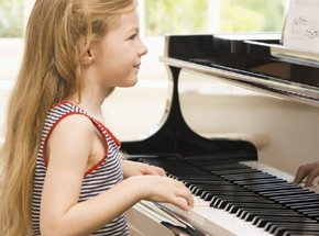 Игра на фортепиано для детей