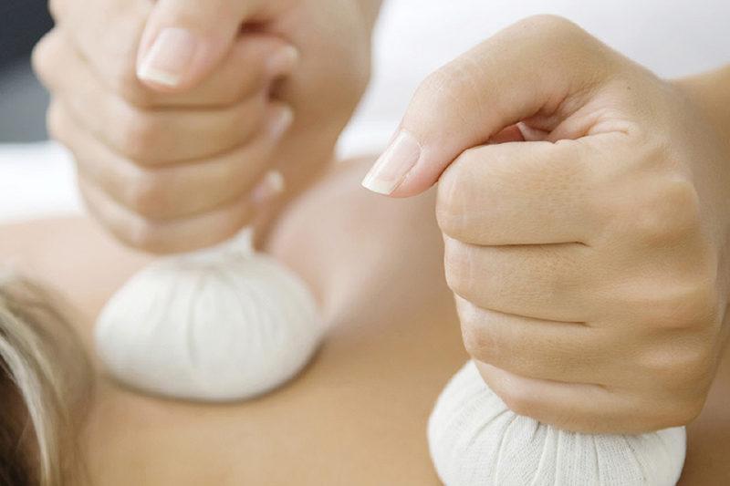 Тайский травяной массаж